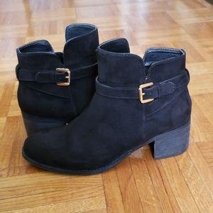 Steve madden black suede heeled booties